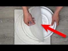 How to make a mold for plaster from silicone sealant Diy Plaster, Baroque Decor, 3d Panels, Diy Silicone Molds, Ceramic Techniques, Kitchen Room Design, Clay Food, Pop Design, Diy Molding