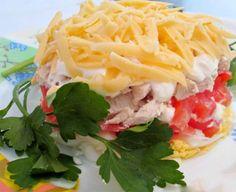2 salate cu carne, pregătite într-un timp record - un aperitiv perfect dacă v-ați pomenit cu oaspeții în prag! - Bucatarul Atkins, Healthy Burritos, Salmon Casserole, Zucchini Boats, Gnocchi, Low Carb, Mexican, Meals, Cooking