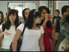 ▶ Escuela Secundaria--Un Día Típico en la Escuela - YouTube