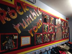 Use tiny pieces of scrunched up newspaper to create effective volcano art!