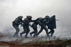 Spetsnaz demonstrate assault tactics