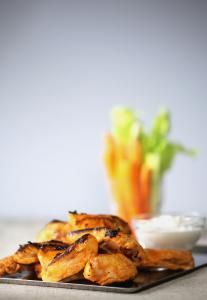 Recipe for Buffalo chicken tenders with blue cheese dipping sauce - The Boston Globe