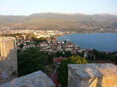 Kaleden Ohri gölü ve Ohri şehri. Ohrid lake