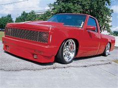 1998 Chevrolet S10 - Custom Trucks - Mini Truckin' Magazine.  DPNDEBT owned by Michael Hall of Bedford, IN.