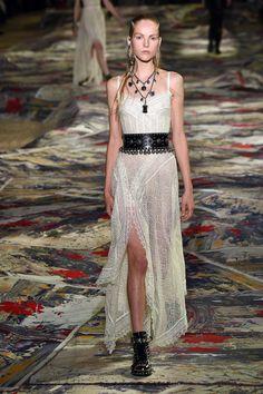 Alexander McQueen   Ready-to-Wear Spring 2017   Look 5