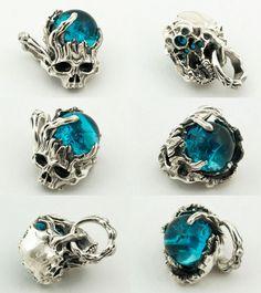 【楽天市場】LegioMade[ディケイド](シルバーアクセサリー/シルバーアクセ/シルバー/シルバー925/Silver925/銀/レギオメイド/ペンダント/ネックレス/スカル/ガラス/骸骨):Lunatic Nights Skull Jewelry, Gothic Jewelry, Mens Skull Rings, Jewelry Accessories, Women Jewelry, Jewellery Boxes, Rings For Men, Jewelry Making, Bling