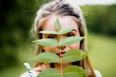 See more beautiful nature-inspired portrait ideas on the blog!  #nature #photography #posing #louisville Outdoor Portrait Photography, Outdoor Portraits, Senior Portraits, Nature Photography, Portrait Ideas, Nature Inspired, View Image, Plant Leaves, Blog