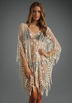 Belle tunique tricotés à la main pour la plage : Chemises, blouses par des-belles-choses