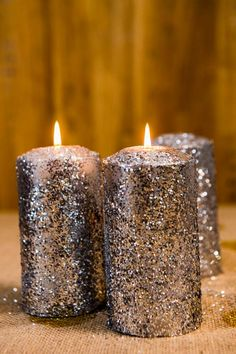 Easy glitter candle tutorial! You could make this in so many colors :)