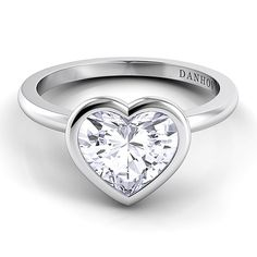 Danhov Per Lei single shank heart engagement ring