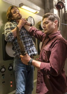 Check out every episodic photo from the final season of 'Supernatural. Supernatural Series, Supernatural Pictures, Winchester Supernatural, Supernatural Quotes, Winchester Boys, Supernatural Seasons, Supernatural Fandom, Winchester Brothers, Sherlock Quotes