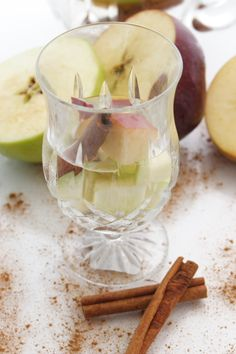 Apple Cinnamon Spa water - its starting to feel like fall!!! well, not in Florida...