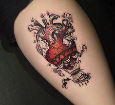 Ontem finalizamos a participação no Tattoaria com o Balão/coração ilustrado na perna da Mari. @mariamericano valeu pela espera e confiança  Ao @tattoaria_oficial valeu pelo convite, curtimos muito ter essa vivência aí com vcs no estúdio e com tanta galera legal, esperamos voltar mais vezes ✌️ #tatuagem #tattooartist #tattoo #ilustration #aquarela