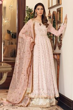 Pakistani Wedding Outfits, Pakistani Dresses, Indian Outfits, Stylish Dress Designs, Stylish Dresses, Nikkah Dress, Designer Party Wear Dresses, Desi Clothes, Bridal Collection