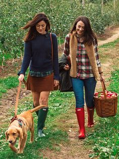 Sweater: J.Crew Shirt: Madewell Skirt: J.Crew Bag: J. Sweater: J.Crew Shirt: Madewell Skirt: J.Crew Bag: J.Crew Boots: Hunter c/o Socks: Ralph Lauren (similar) Fall would not be complete without a day of apple picking. Adrette Outfits, Preppy Outfits, Preppy Wardrobe, J Crew Outfits, Stylish Outfits, Fall Winter Outfits, Autumn Winter Fashion, Preppy Winter, Prep Style