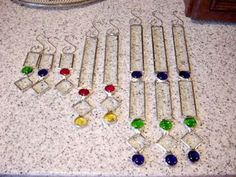 Top 11 Stained Glass Soldering Tips - Learn How to Solder Glass Art - Tools And Tricks Club Stained Glass Ornaments, Stained Glass Christmas, Stained Glass Designs, Stained Glass Projects, Stained Glass Patterns, Stained Glass Art, Glass Christmas Ornaments, Mosaic Glass, Fused Glass