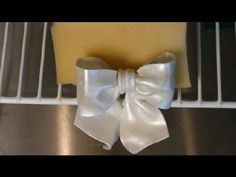 How to Make Fondant & Gum Paste Wilton Bows : Wedding Cakes