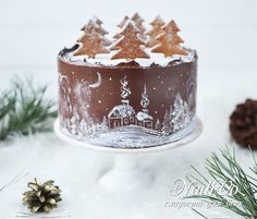 I look at this cake … And pictures from childhood can be … – Holiday and camping ideas Christmas Themed Cake, Christmas Cake Designs, Christmas Food Gifts, Christmas Sweets, Christmas Baking, New Year's Desserts, Holiday Desserts, Geode Cake, New Year's Cake