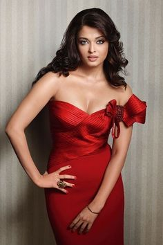 Aishwarya Rai Bachchan the beauty of Bollywood is a very famouse Indian cinema actress. She was the first runner-up of the Miss India pageant and the winner of the Miss World pageant of She Bollywood Actress Hot Photos, Bollywood Girls, Beautiful Bollywood Actress, Most Beautiful Indian Actress, Bollywood Fashion, Beautiful Actresses, Aishwarya Rai Pictures, Aishwarya Rai Photo, Actress Aishwarya Rai