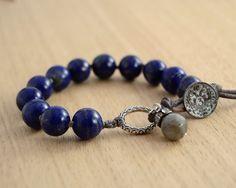 Lapis+lazuli+bracelet.+Dark+blue+beaded+bracelet+by+SinonaDesign,+€44.00