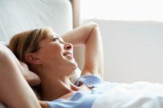 Gute Nacht - guter Morgen! Wer zufrieden aufwacht, hat meist gut geschlafen. Ein Drittel unseres Lebens verbringen wir im Bett. Zum Glück! Denn ein erholsamer Schlaf ist unsere natürlichste Kur gegen Stress und für ein langes Leben. Ein Wegweiser für Ihren Ruhe-Rhythmus, der Sie immer fit hält.