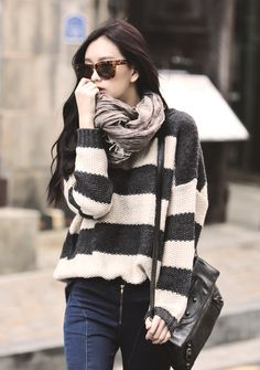 Nice neutrals in sweater and scarf. Korean street fashion. -Lily. #asianfashion #Korean #streetstyle