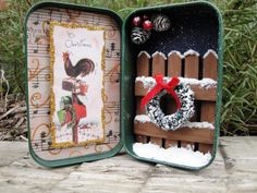 Christmas altered altoid tin - picket fence and a wreath too! by valerie Tin Can Crafts, Christmas Projects, Holiday Crafts, Paper Crafts, Diy Crafts, Christmas Ideas, Noel Christmas, Vintage Christmas, Christmas Ornaments