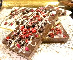 milk chocolate with blueberry, black currant & cranberries