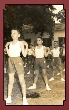 Vintage School, Athens Greece, Photojournalism, Primary School, Little Boys, Childhood Memories, Vintage Photos, Cool Pictures, The Past