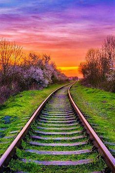 Train tracks at sunset Landscape Photography, Nature Photography, Beautiful Places, Beautiful Pictures, Train Pictures, Old Trains, Train Tracks, Nature Pictures, Amazing Nature