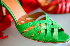 Start your own online shoe brand using drop shipping to deliver your products. Selling On Ebay, Beauty Trends, Shoe Brands, American Apparel, Shoes Online, Me Too Shoes, Celebrity Style, Footwear, Pairs