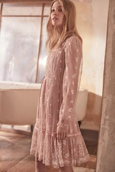8f729a209340e1 Reflection Ditsy Dress in Rose Pink from the Needle & Thread PS19  Collection Moda Damska,
