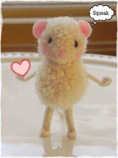 #amidsummerknitsdream #loveknittingcom Pompom mouse tutorial from Sweet Pea Felts.