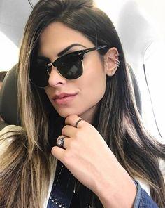 A linda @julianunesbarboza sempre arrasa na escolha dos óculos! Um clássico que não pode faltar em sua coleção! ❤️ #oticaswanny #rayban #raybanclubmaster #julianunesbarboza