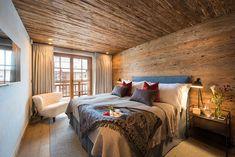 Part of the exclusive 7 Heavens development in the heart of Zermatt, the prestigious Chalet Mckinley is a masterpiece of luxury and opulence. Swiss Chalet, Swiss Alps, Luxury Ski Holidays, Chalet Interior, Chalet Style, Zermatt, Beautiful Bedrooms, Urban Design, New Homes