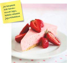 Mansikka-jogurttikakku - Makeat leivonnaiset - Ruoka - HS.fi