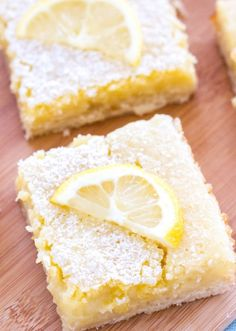 These classic homemade lemon bars have a tangy lemon filling and a sweet shortbread crust! These are the perfect Easter dessert, spring dessert, or summer dessert! Spring Desserts, Lemon Desserts, Lemon Recipes, Easy Desserts, Homemade Shortbread, Shortbread Crust, Kahlua Chocolate Cake, Easy Dessert Bars, Dessert Ideas