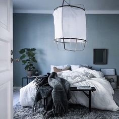 Home Decoration Ideas From Waste Blue-grey bedroom - via Coco Lapine Design.Home Decoration Ideas From Waste Blue-grey bedroom - via Coco Lapine Design Blue Green Bedrooms, Blue Gray Bedroom, Blue Bedroom Decor, Silver Bedroom, Blue Rooms, Bedroom Colors, Design Bedroom, Bedroom Ideas, Bedroom Inspo