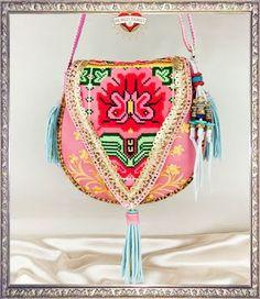 4c38413eba790 ƸӜƷ Yo Teqiuero mucho ƸӜƷ  Frida Kahlo would love this bag  Boho  Gypsy