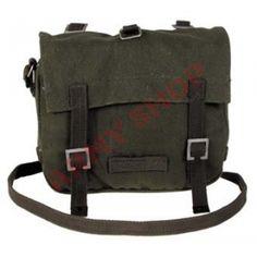 Žalios spalvos BW krepšys pagamintas iš 100% medvilnės. Krepšys turi reguliuojamo ilgio dirželį per petį ir tris vidines kišenes.