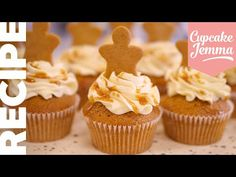 This Christmas cupcake has EVERYTHING to get you in the festive mood. A lightly spiced syrup sponge filled with Christmas spice caramel, decorated Christmas Cupcakes, Holiday Cookies, Christmas Desserts, Christmas Cooking, Christmas Goodies, Christmas Recipes, Cupcake Jemma, Cupcake Queen, Baking Cupcakes