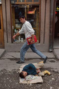 Homeless child, CroatiaS'il vous plaît faites défiler vers le bas pour le…