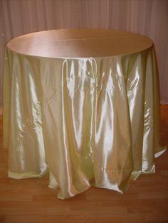 Lemon Zest shiny satin linen #linen #chairdecor #linenfactory #event #finelinen #tabledecor