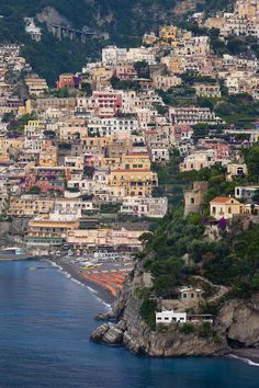 ✮ View along the Amalfi coast of the hillside town of Positano, Campania Italy