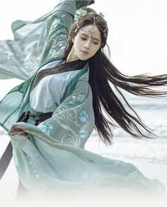 Pin it BY bookvl blogspot - Worth to keep track of new genres and new boards. Traditional Fashion, Traditional Dresses, Kubo And The Two Strings, China Girl, Chinese Clothing, Hanfu, Fantasy Girl, Chinese Art, Asian Fashion