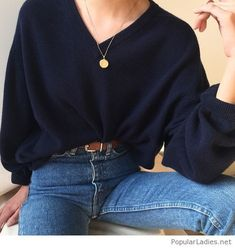 Oversize blouse and blue jeans