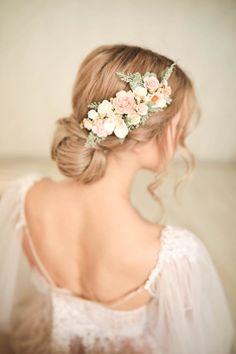 Flower Headpiece Wedding, Flower Crown Bride, Flower Crown Hairstyle, Wedding Hair Pins, Bridal Hair Vine, Wedding Hair And Makeup, Bridal Hairpiece, Flower Crowns, Wedding Hairstyle