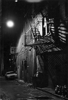 retronewyork: Lower East Side, 1983 by dclarson. City Photography, Landscape Photography, Black And White City, Dark City, Lower East Side, City Aesthetic, East Village, Cultura Pop, Gotham City