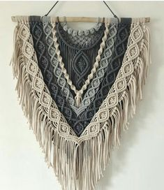 Macrame Wall Hanging Patterns, Macrame Hanging Planter, Large Macrame Wall Hanging, Macrame Plant Hangers, Macrame Patterns, Macrame Design, Macrame Art, Macrame Projects, Micro Macramé
