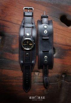 Apple Watch Leather Strap, Leather Watch Bands, Leather Diy Crafts, Leather Bags Handmade, Leather Armor, Leather Cuffs, Leather Accessories, Leather Jewelry, Bracelet Bras